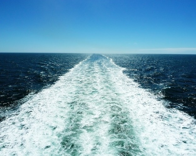 sea-water-holiday-sunny-ocean-ship-sail_121-66394